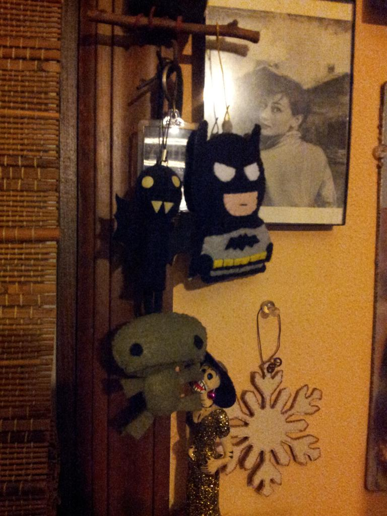 @erincheshirecat yeah! Thanx sooo much love my new #batman made by Erin! Y'all needa scope her work! http://t.co/kZ6H5Ln8Ix