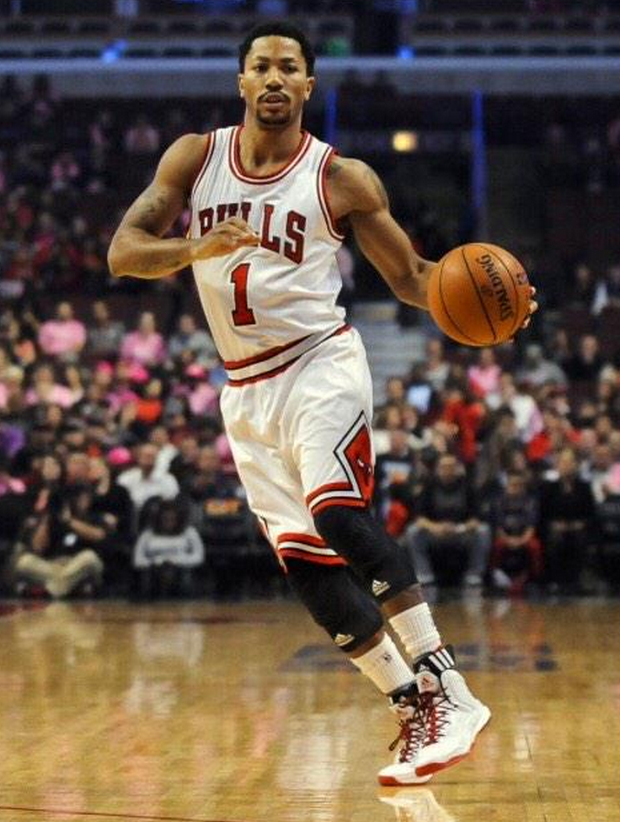 RT @AllDefDigital: S/O to @drose, may you have a speedy recovery. #PrayForDRose http://t.co/ixIpCpavFp
