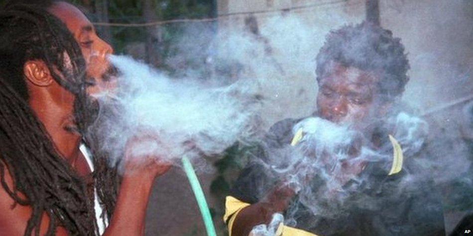 WOYY RT @BBCWorld: Rastafarians can smoke marijuana legally in Jamaica as drug decriminalised  http://t.co/lHMbqeQImj http://t.co/Qw0l2iENGz