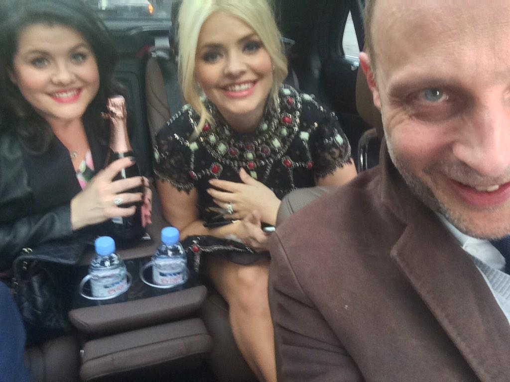 RT @jonford68: Wednesday afternoon and off to the Brits @hollywills @LadyWilloughby #BRITs2015 http://t.co/6z45sBad6Y
