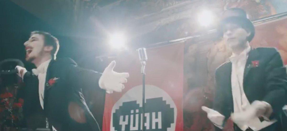 "Sudden (@SexySudden) x Alligatoah (@alligatoah) und dem Video zu ""Hitler töten"". http://t.co/mEHvjUjmVx http://t.co/nbzMzDjoSF"