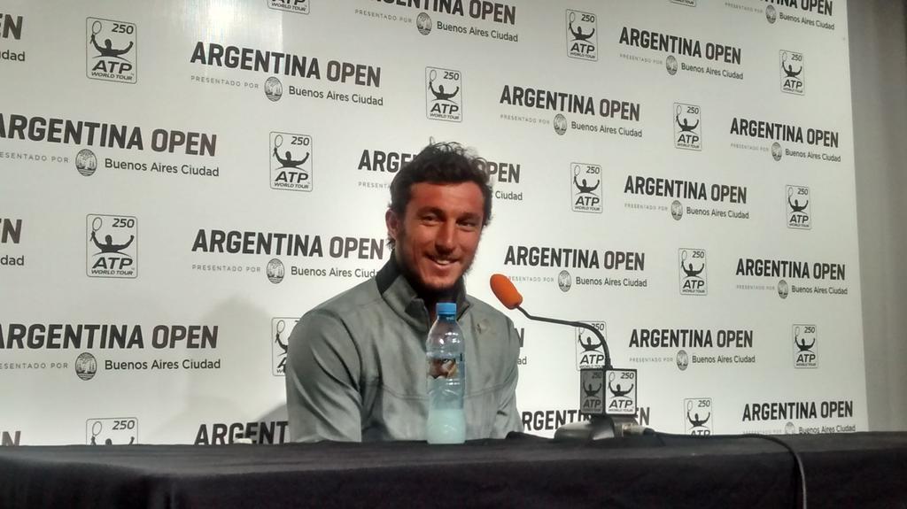 """""""Estoy muy feliz x mi triunfo pero muy triste por no estar en Copa Davis. Les pido que no me pregunten de eso"""". http://t.co/GG3Tybnm49"""