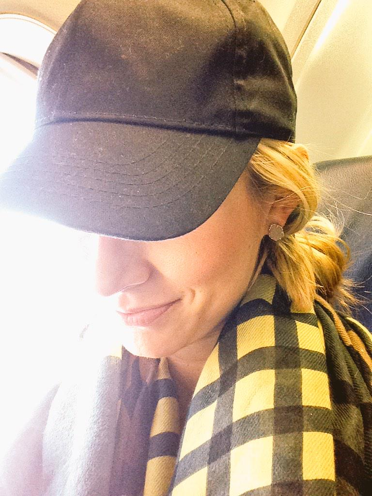 Flying from AZ to ATL and I'm the idiot who forgot my jacket. Taking on the snow with a $2.99 hat from Walmart. http://t.co/QqJJbJ86Ji