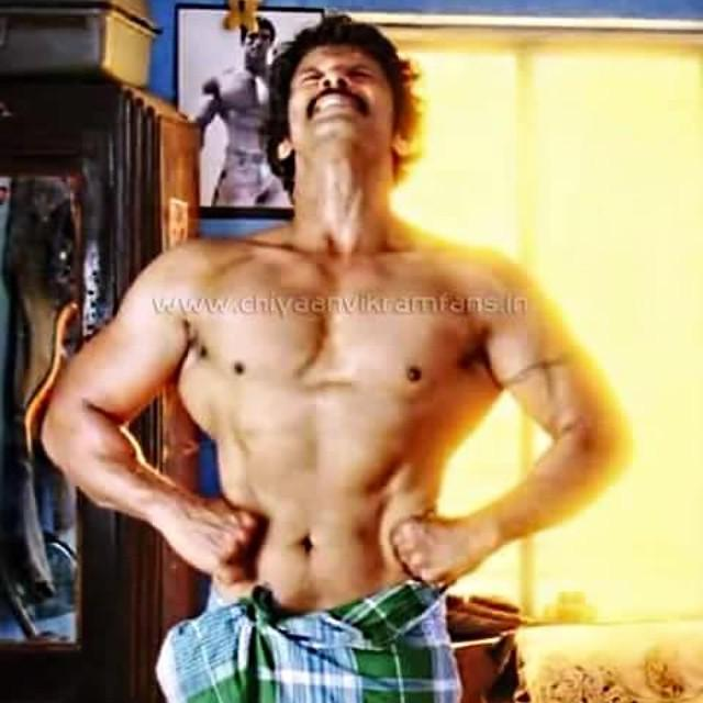 Kollywood trends on twitter perfect v shaped body mersal kollywood trends on twitter perfect v shaped body mersal lingesan in i imovie chiyaan vikram bodybuilding gym chiyaanvikram actor in thecheapjerseys Gallery
