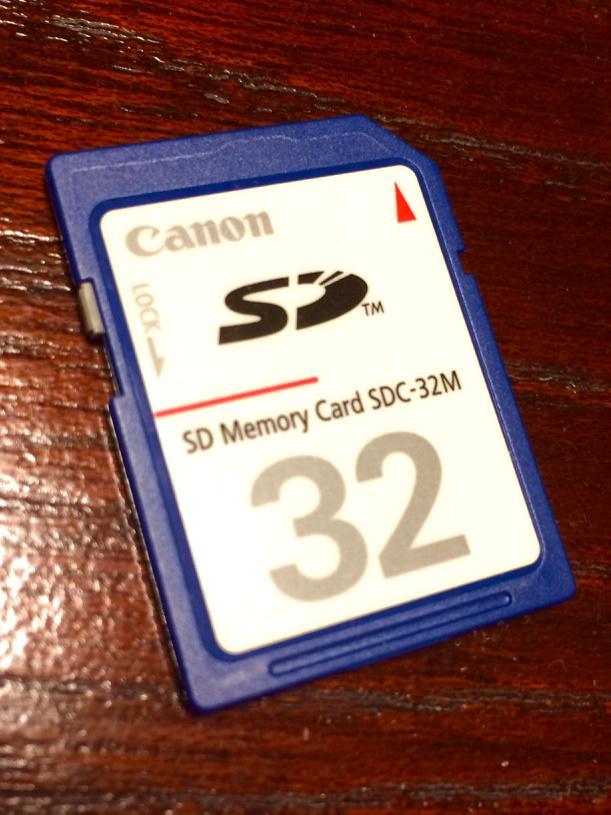 アクションカム用に使うSDカードのストックがないか部屋を漁っていてコレ見つけた瞬間の高揚感と直後の絶望感たるや! http://t.co/5dcIaR3AeS