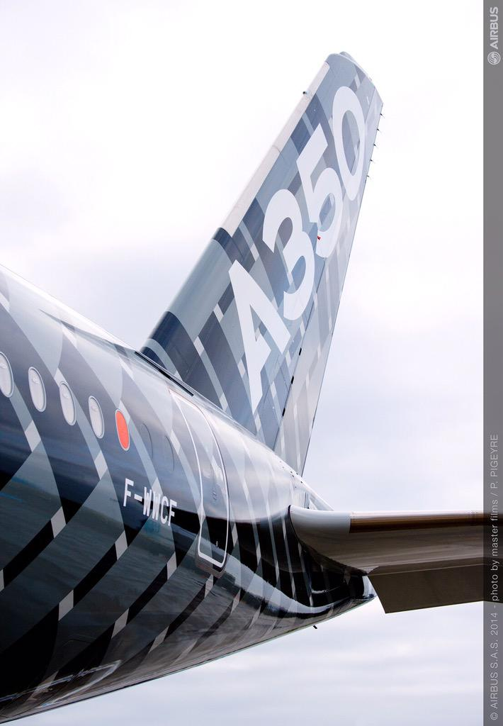 Did you know? It will be the first time ever that an #A350 XWB lands at #Paris CDG. Xciting! cc @ADPcorporate @Airbus http://t.co/kKc6cvsVX6