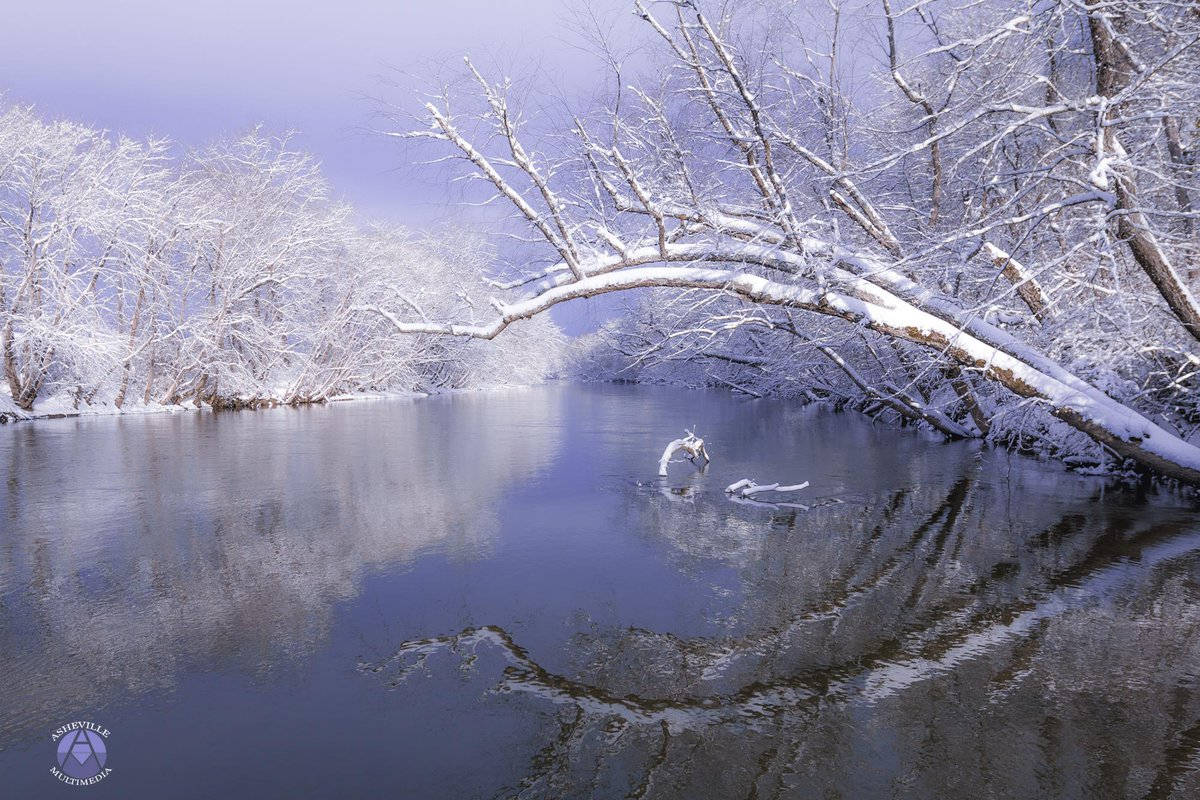 Snow River! RT @AVLmultimedia: Good morning, Asheville! http://t.co/1sj3LLKAus #avlsnomg #avlpics