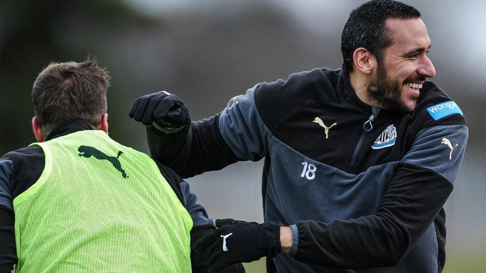 Curado de câncer, argentino pode voltar ao #Newcastle neste fim de semana http://t.co/yM7ng3m7sd @elgalgojonas