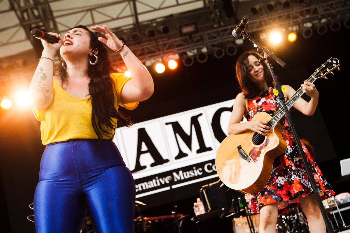 Unforgettable moments at the LAMC - @CarlaMorrisonmx & @julietav http://t.co/MoQfjJuFGv http://t.co/StVNZlLxuH