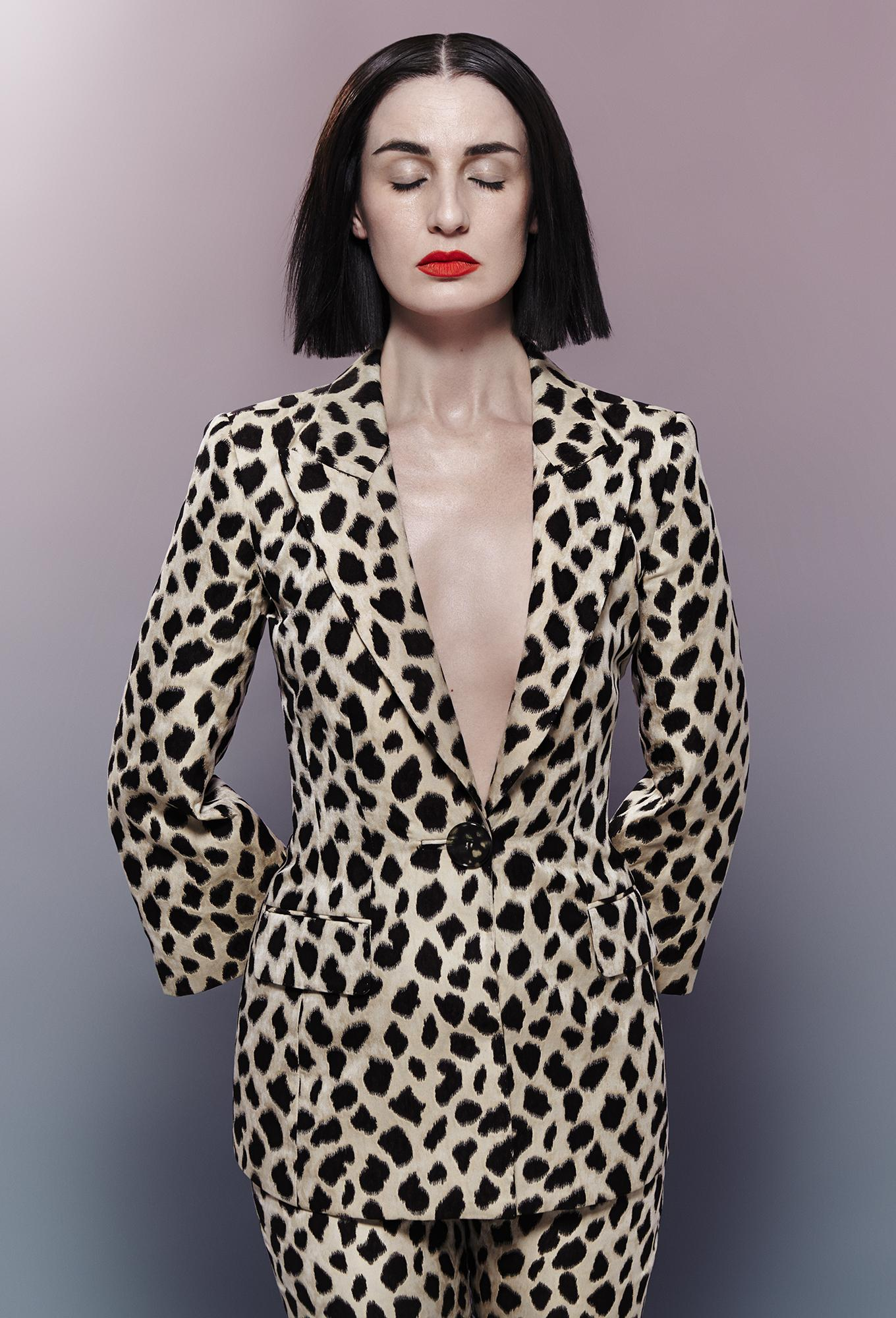 RT @HungerMagazine: In honour of #MilanFashionWeek, here's @Erin_O_Connor in myriad Italian brands: http://t.co/5Q55QZj4rx #Hunger8 http://…