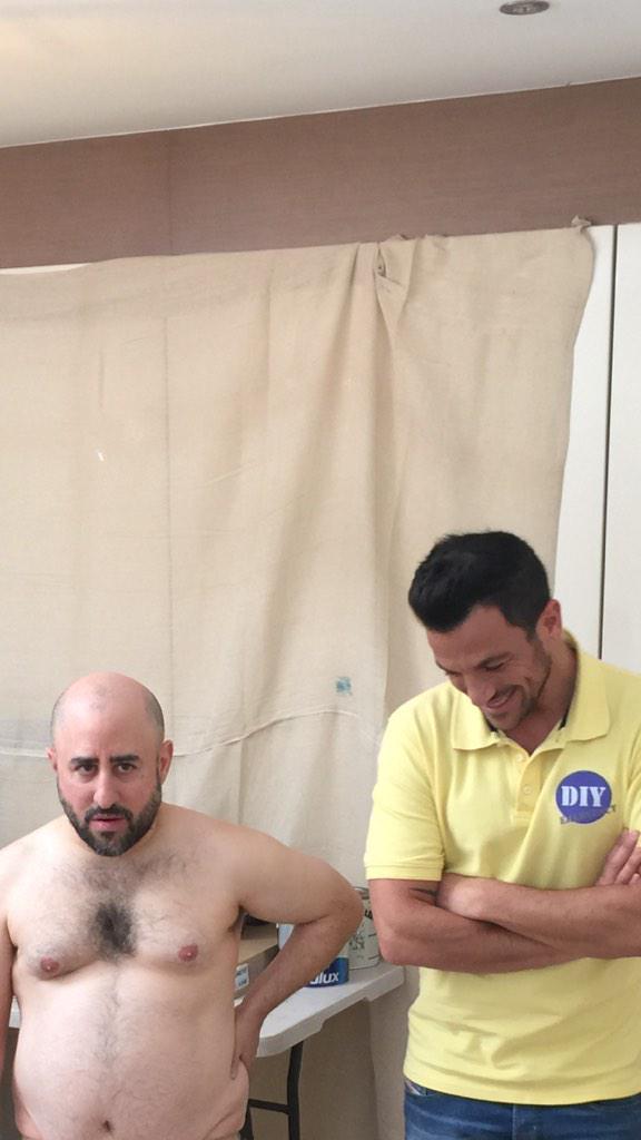 The moment @MrPeterAndre meets Mad Paul tonight's #KeithLemonSketchShow 10pm @itv2 http://t.co/HuFH0kph13