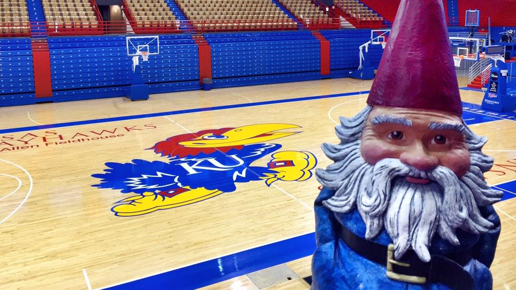 The good news: MADE IT TO ALLEN FIELDHOUSE.  The bad news: I'm like 51 hours early. #KU http://t.co/IrvlojiVHT