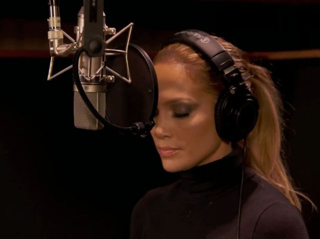 #JLovers!! Did you buy @JLo's new song #FeelTheLight on @iTunes yet?!?  Buy it here: http://t.co/8bGeFKF9Bd http://t.co/2aTzkGqWxG
