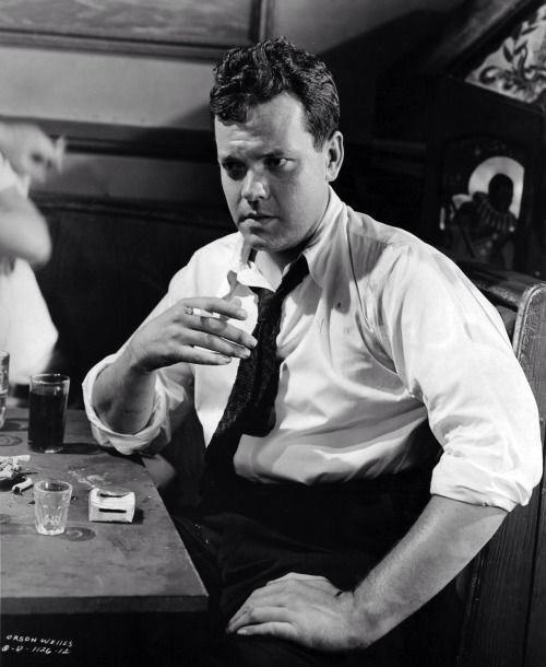 RT @NoirishProject AMAZING HOLLYWOOD RETRO:  Orson Welles on the set of his masterpiece, The Lady From Shanghai.