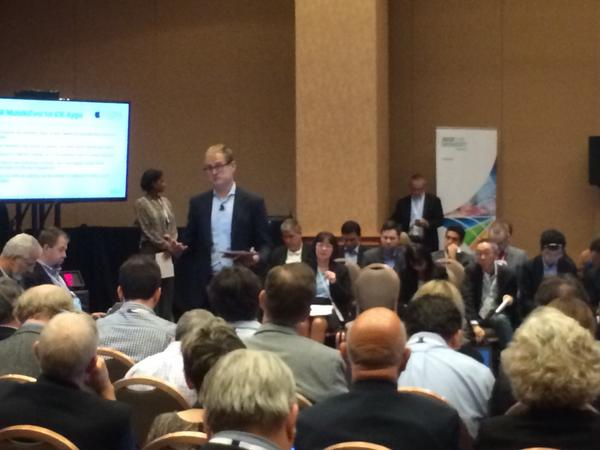 The #ibminsight innovation roundtable covering #dashdb #dataworks #cloudant #apple is standing room only http://t.co/eyCPf1fkHG