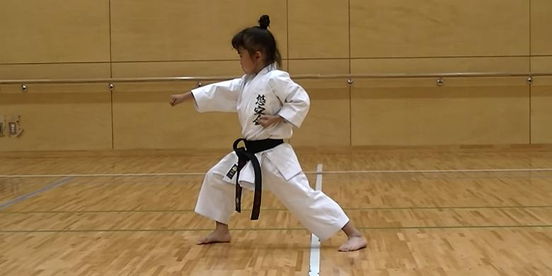 Cute Little 7-Year-Old Girl Is A Black Belt In Karate http://t.co/kOBLKMPrvy http://t.co/h49xeIuMf5