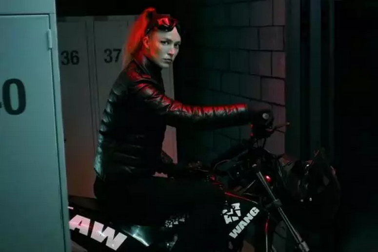 Watch this sexy, parkour-inspired ad for the H&M x Alexander Wang Collection http://t.co/YkqC1PqRlc http://t.co/4m5AalxBKL