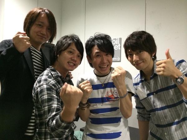 今日の鈴村さんLIVE後鈴村さんと  なんとその場に居た波多野渉さんと  スクモでパシャ。感謝です(⌒~⌒)神戸頑張るぞ!!!! pic.twitter.com/zi6CVBCDw7