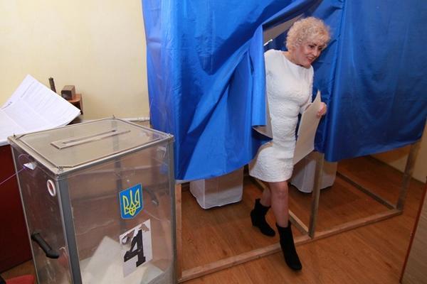 К 12 часам проголосовало 12% избирателей - Цензор.НЕТ 1952