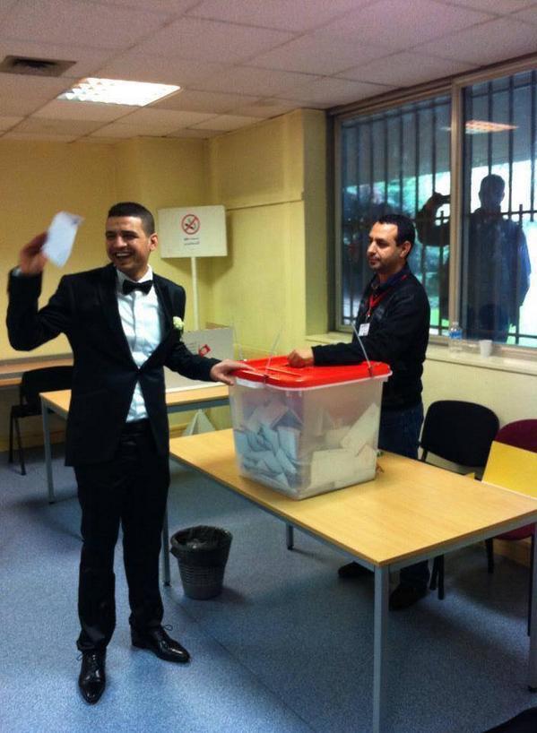 #ISIE_MediaCenter Le jour de leur mariage 2 Tunisiens résidents à l'étranger votent ensemble #France1 #IRIE http://t.co/PkG9rDby1X