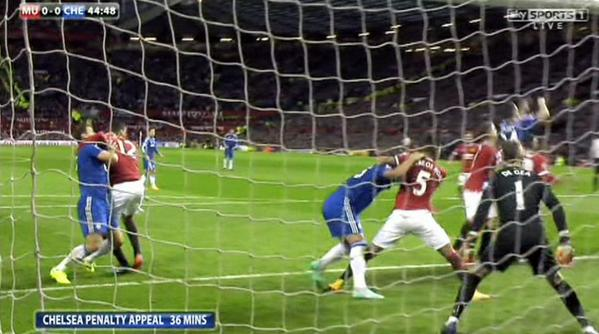Look at this. Double headlock, WWF style (courtesy of @SkySports) #MUFC #CFC http://t.co/QPfvGyQNbp http://t.co/Ry7lWZUWBK