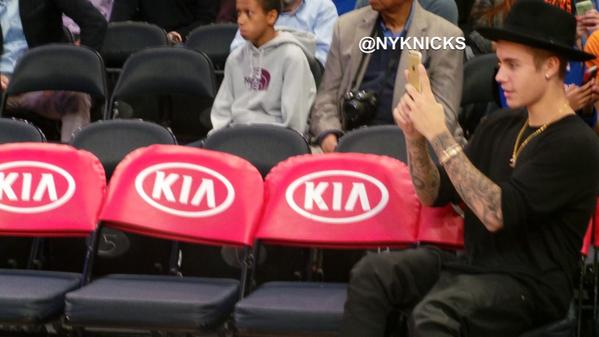 .@justinbieber in the house @TheGarden for the #Knicks open scrimmage! http://t.co/TGBNbHNVDh