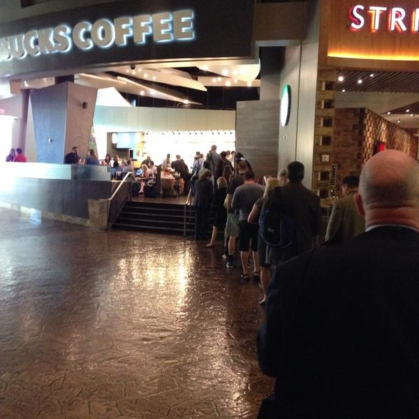 Starbucks line watch day 0. #ibminsight folks getting revved up for #ibmpartners summit... https://t.co/hdH0S5sZtl http://t.co/yXVCdLGSkh