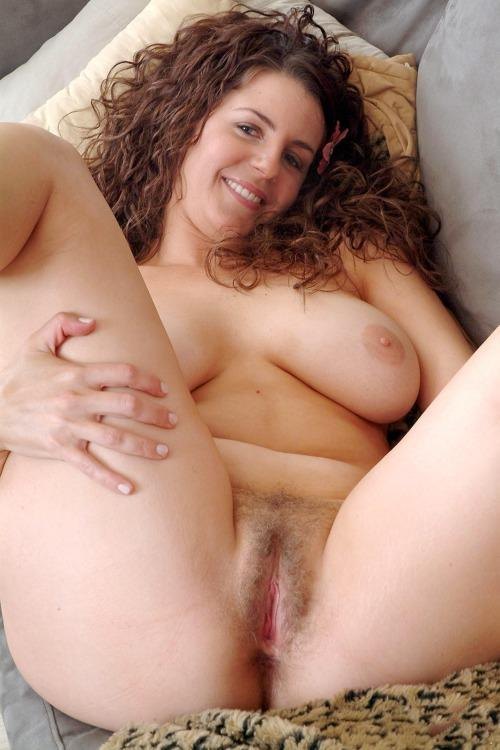 Big Juicy Cunt Ready For Fucking 107