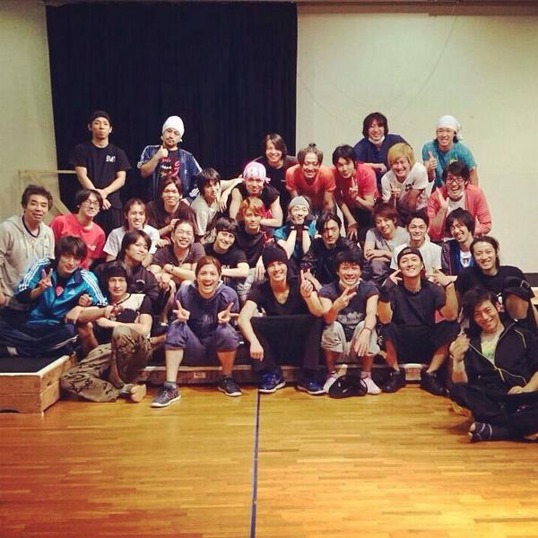 最終稽古終了!! さ、稽古場打ち上げ☆ てことで今日いた皆で写メ♪ #fujitaray #dustz