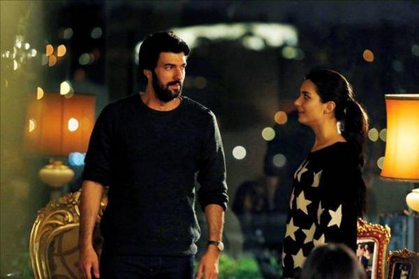 Грязные деньги и любовь - 2 / Kara Para Aşk (2014, Турция) - Страница 3 B09WVCLIUAACoiT