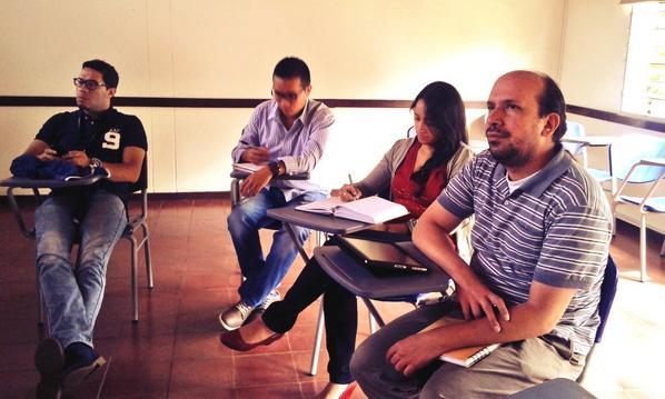 Iniciamos con la sensibilización en las IE previo al #CTCO2014. Hoy desde la @uniminutobello sede Medellín http://t.co/eYDuMsH0UZ