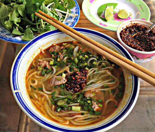that BUN BO HUE tho. @LaurieWoolever breaks down this Imperial City staple