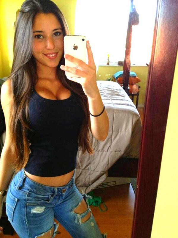 Angie Varona Varoangi Twitter