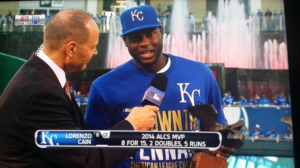 """Amazing moment"" Lorenzo Cain. God has""blessed him w a beautiful mom.Happy she was able to be there 4 special moment"" http://t.co/ygCz2WmmH1"