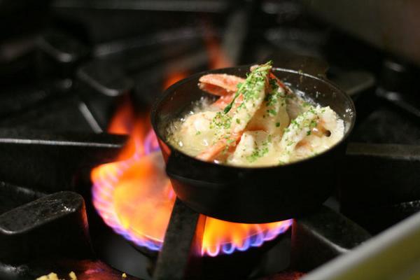 sizzling hot pot prawns