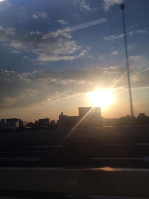綺麗‼︎ #車から撮影 #今から空港行きます #お仕事 #海外 http://t.co/zq0l73eYwQ