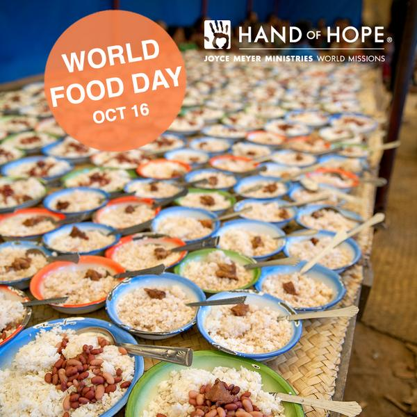 Today, in honor of #WorldFoodDay, we'd like to thank you for helping us feed more than 73,000 children daily! http://t.co/zHFtOnL6Ir