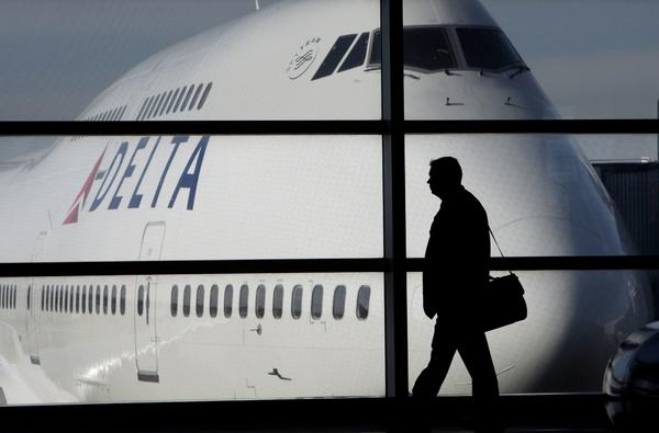 Delta CEO: Boeing 747s will be retired by 2017 http://t.co/AkjOaDm9R1 - http://t.co/scU1Qqeepp