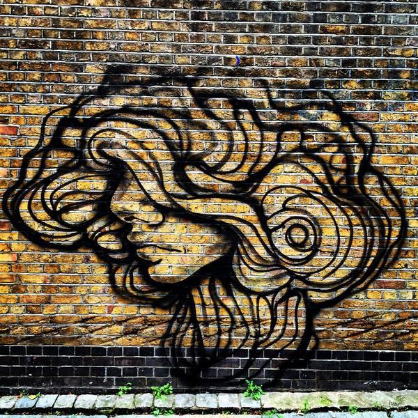 #streetart #london by  @paoladelfinmx http://t.co/CPiPWOupM1