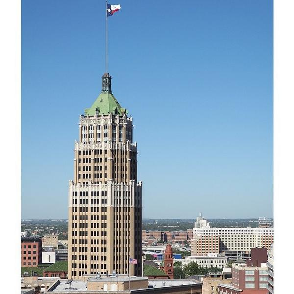 It's a beautiful day in downtown San Antonio. #imagelogger #ditchthedslr #nx3000 #twitter http://t.co/MmUiSKmx3m