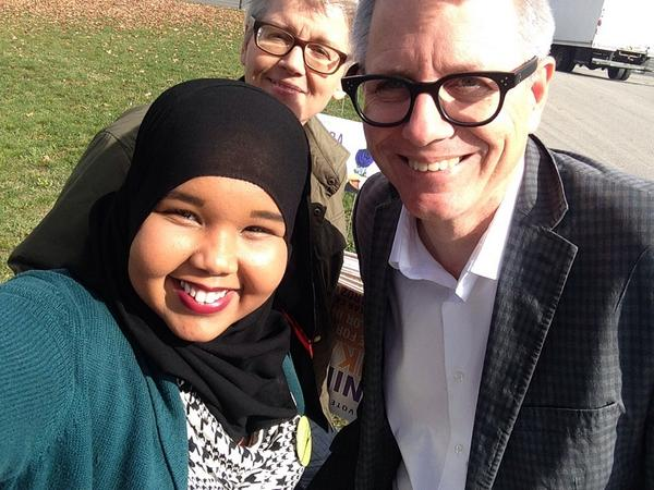 Awesome RT @MuniraAbukar: @TOAdamVaughan stopped by with his sister to help put more signs back up. #IStandWithMunira http://t.co/qSMJdbUd25