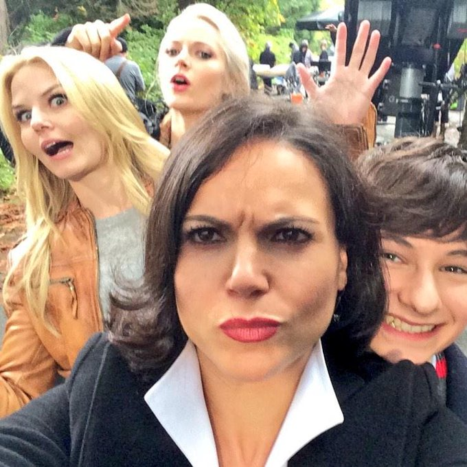 Day 53: like @LanaParrilla said, 4 heads are better than 1... #101Smiles #UglyDucklings http://t.co/
