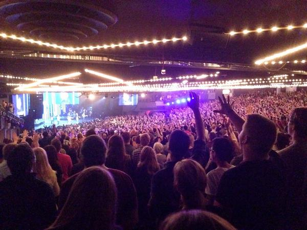 #HillsongConf Opening Night!  They sure set the tone of the weekend. http://t.co/5Rl4uXnpZx