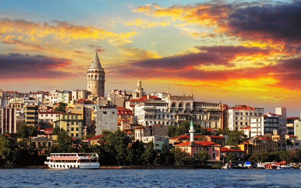 Escape to the booming mega-city of #Istanbul this #autumn. Don't forget to take us too! http://t.co/vnTNFN8JLi http://t.co/pxQxA28Uzb