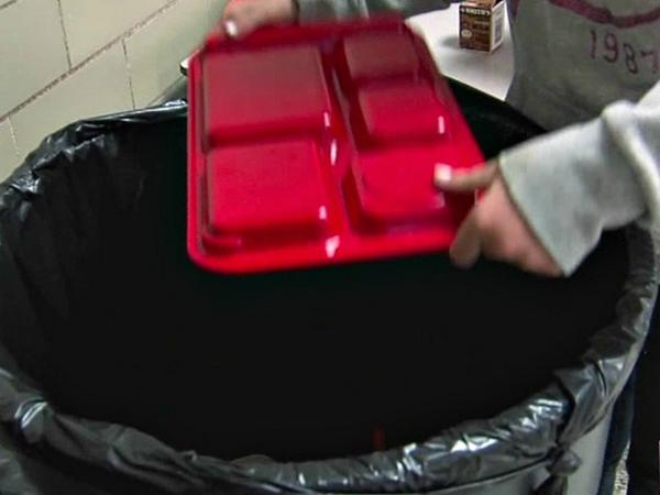 Study: Millions wasted every day in school lunchrooms due to new standards: http://t.co/clv95LNT5y http://t.co/5tXm37eBVt