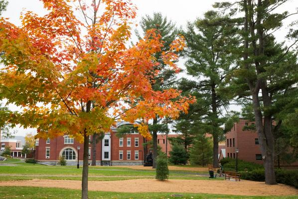 Amherst is amazingly beautiful right now. Warm, too: 73 degrees. And did we mention beautiful? http://t.co/i7lBColQMK