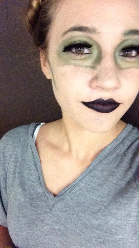 Amanda Steele MakeupbyMandy24