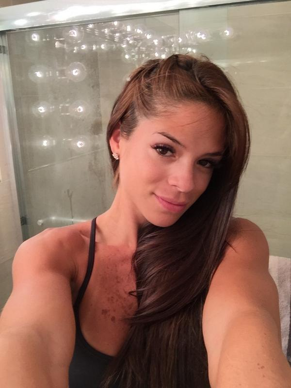 Cleavage Michelle Lewin  naked (55 pics), Twitter, cleavage