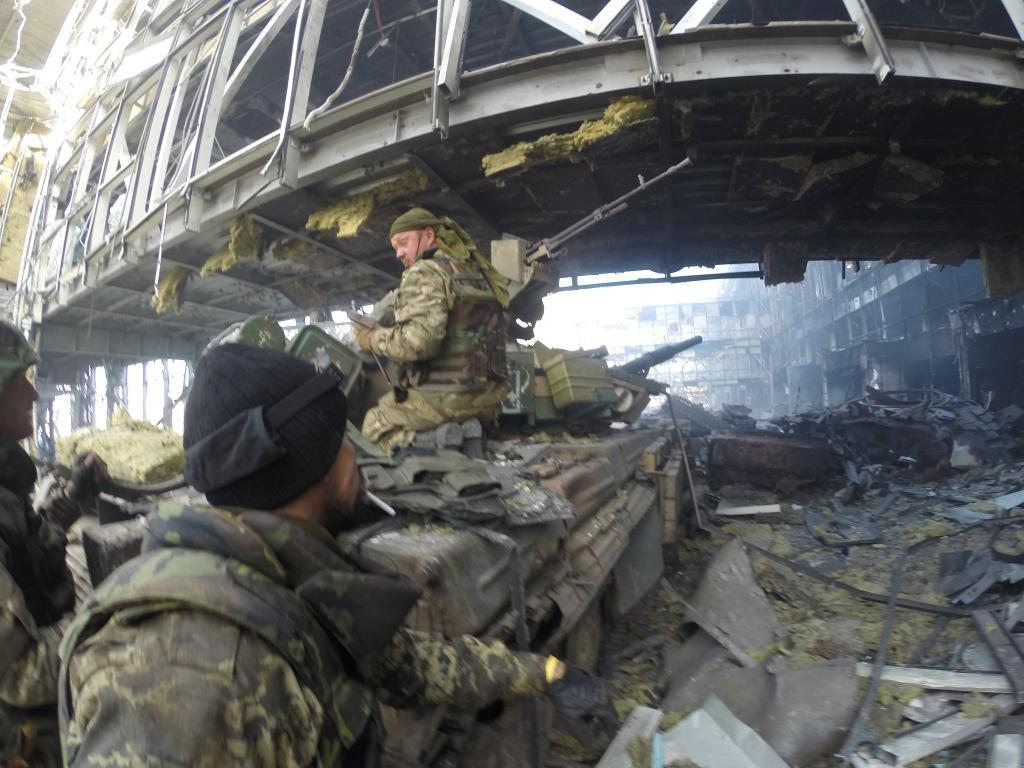 L'invasion Russe en Ukraine - Page 12 B0LA3GLIMAA9AeT