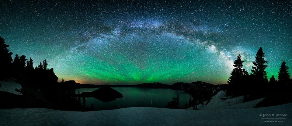 """@ObservingSpace: Milky Way over Crater Lake http://t.co/DoTTR83zex #milkyway #airglow #oregon http://t.co/3OICXbhtG1"" beautiful x"